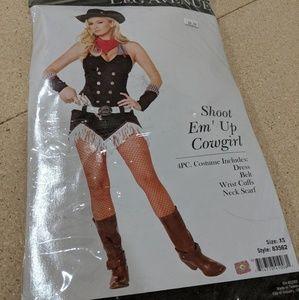 Shoot em up cowboy costume - leg avenue